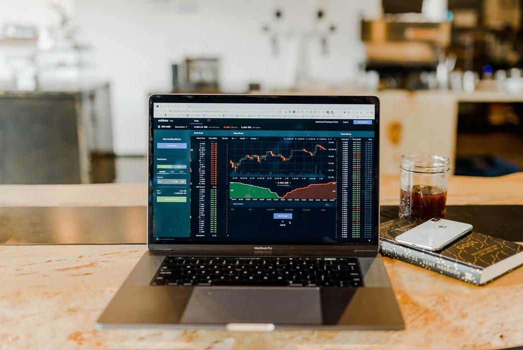 Kiếm tiền bằng Forex có dễ không?